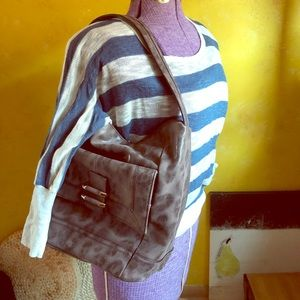 B Makowsky slouchy hobo zip top bag